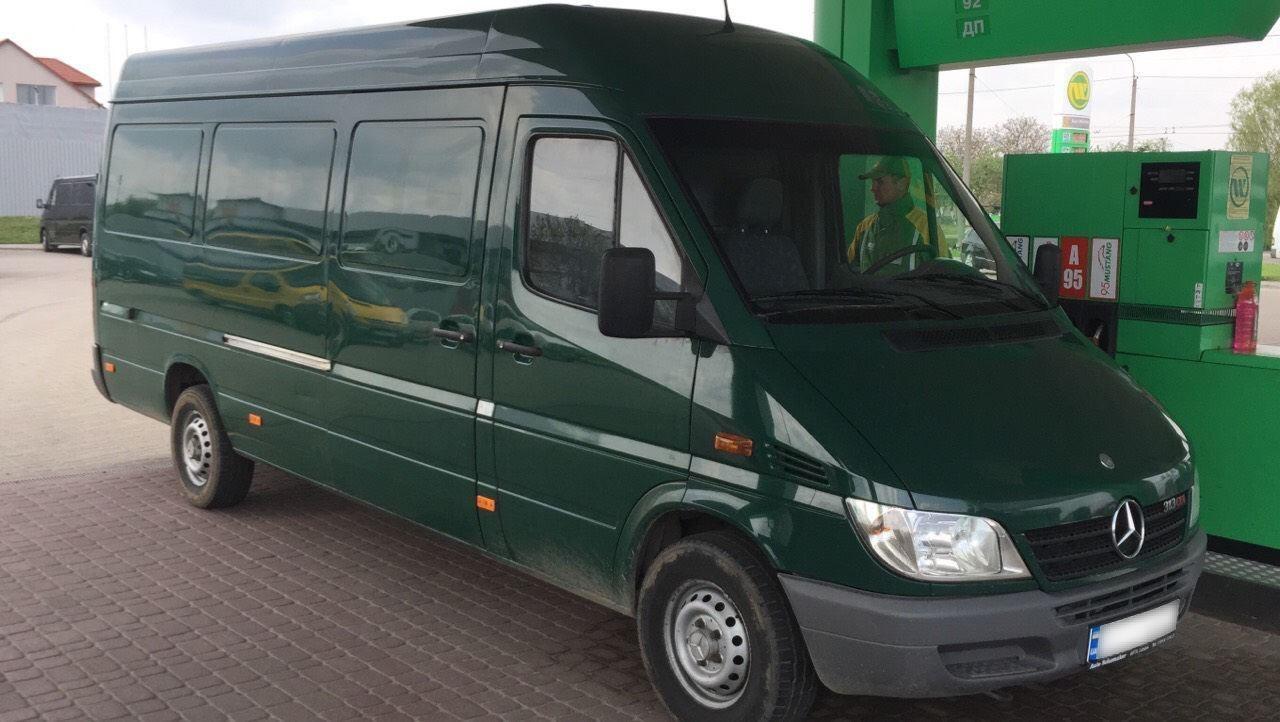 микроавтобус для грузоперевозок